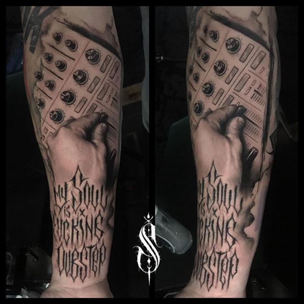 tatuaje-mesa-mezclas
